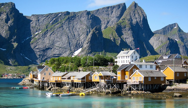 ferienhaus auf den lofoten in norwegen. Black Bedroom Furniture Sets. Home Design Ideas